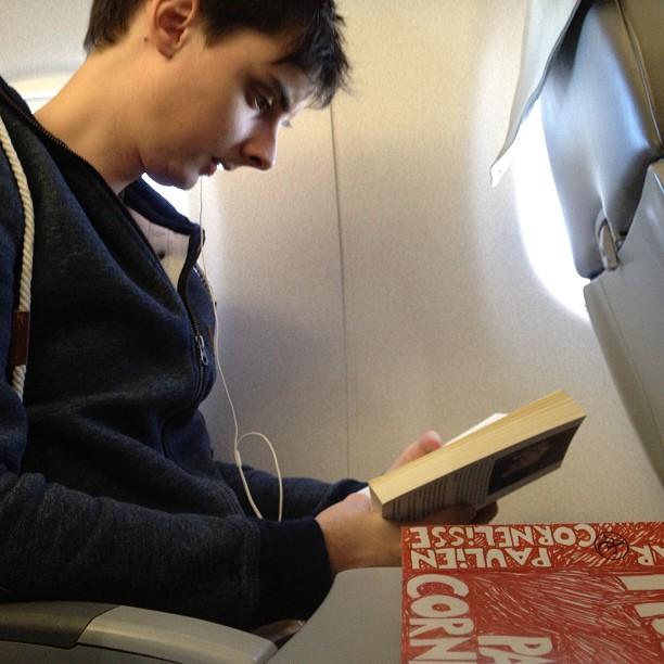 reading-in-plane